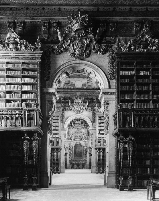 mirroir:  Royal Library, Old University, Coimbra, Portugal1716-1723