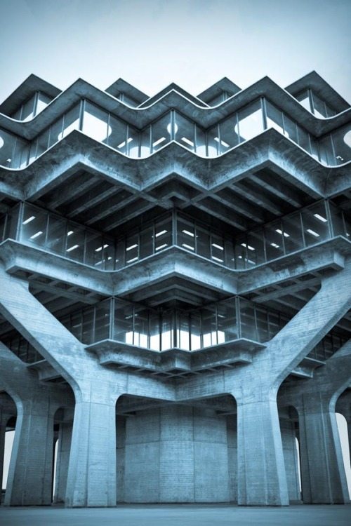 weandthecolor:  Architecture Photography Inspiration Geisel Library at UCSD Campus in La Jolla photographed by Marcus Avedis. via: WE AND THE COLORFacebook // Twitter // Google+ // Pinterest