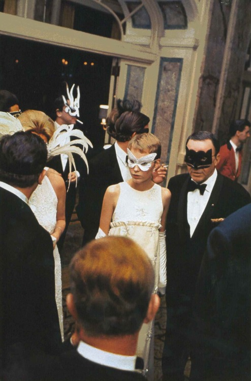 Frank Sinatra and Mia Farrow at Truman Capote's Black and White Ball, New York, 1966