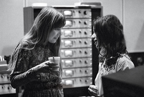 "think-of-summer-days-again:  Joni Mitchell and Carole King during the recording of ""Tapestry"", 1971"
