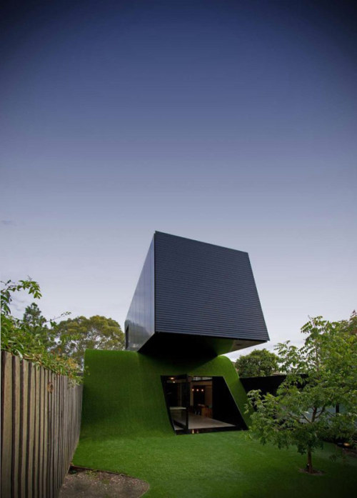 Original Family Home Extension in Australia, Built on an Artificial Hill (via freshome.com)