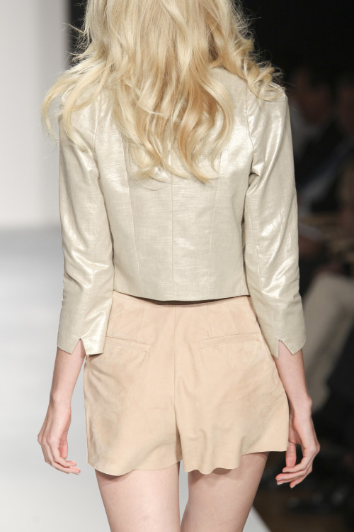 dixias:  Detail at Bebe Spring 2011