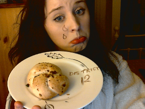 I LUV U, KATNISS HERE HAV SUM BRED I PAINTED IT TO LOOK LIKE MY HEART BEIGE BEIGE AND DULL LIKE ME MARRY ME?! NO? OK HI, GALE fuck u