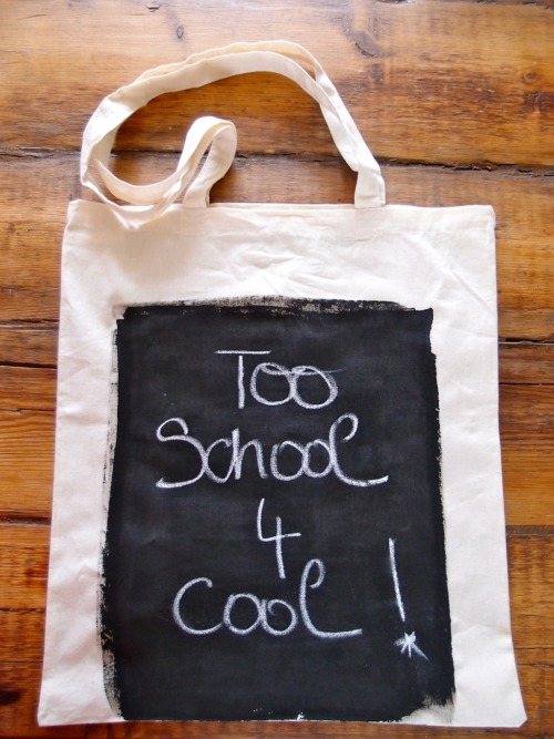 DIY Chalkboard Tote. After posting the Magnetic Tote Bag here, I kept thinking why I hadn't seen a chalkboard tote for parents to distract their kids with tic tac toe or other games. Then today I saw this easy chalkboard tote tutorial from Clones & Clowns here.