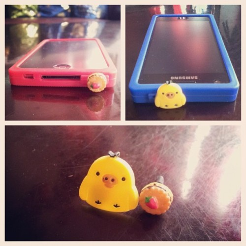 My babies.hehe. #earcaps #cute #love #earcap #duck #cookie #ipod #samsung #galaxys2 #random #accessories #ipod #itouch (Taken with instagram)