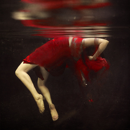 thespianoge:  Falling Apart by Brooke Shaden