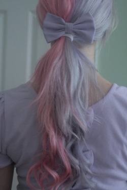 thedevillhimself:  PASTEL BOW