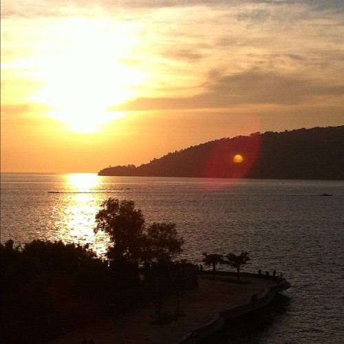 The Final Sunset @ayumfire #kotakinabalu #instagram #hashtag  (Taken with instagram)