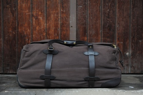 Filson -Duffle Bag wheeled version - via REDWING1905