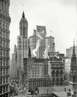 "NYC 1910 bobbyaguilera:  Manhattan circa 1910. ""Singer Building down Broadway from the post office."" - Detroit Publishing Company. View full size."