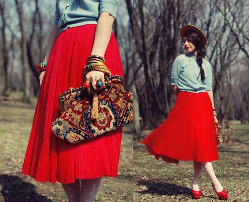 lookbookdotnu:  Red skirt2 (by Shan Shan)