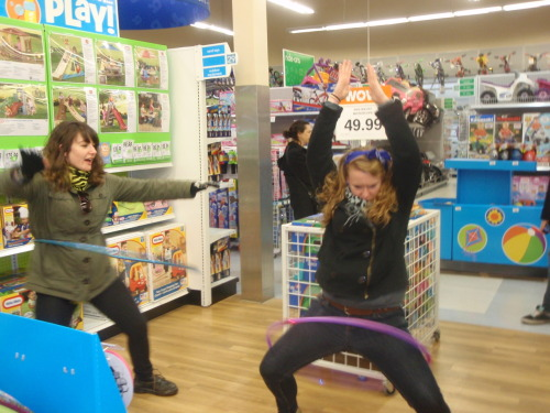I can finally hula-hoop! c; ohai annuhh