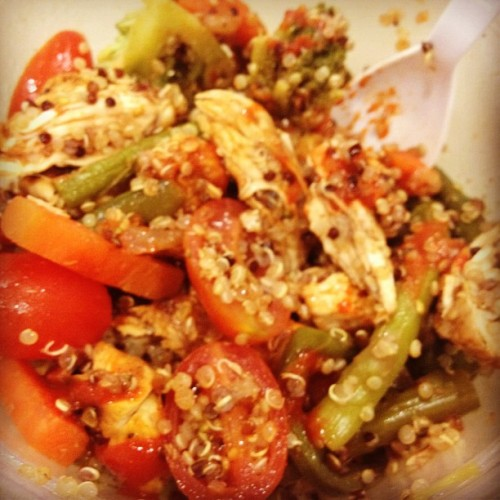 Late lunch. Quinoa chicken salad with a bunch of veggies. #lunch #food #foodie #foodporn #healthy #quinoa #chicken  (Taken with instagram)