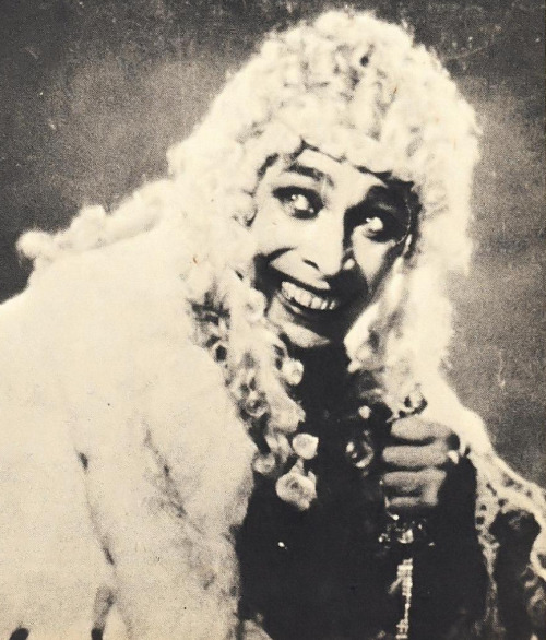 "Nightmare fuel. ""Conrad Veidt returns as THE MAN WHO LAUGHS"" from Famous Monsters of Filmland #80 (1970)"
