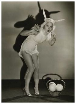 maudelynn:  Mary Carlisle has an Easter Fright