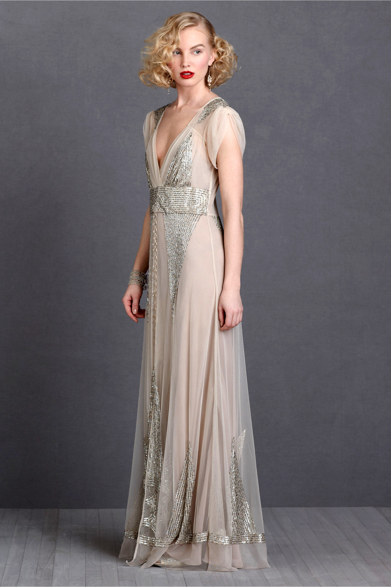 organized-clutter:  everlytrue:  [Aiguille Gown by BHLDN]  If I could do my high school prom all over again, I might wear that dress. x