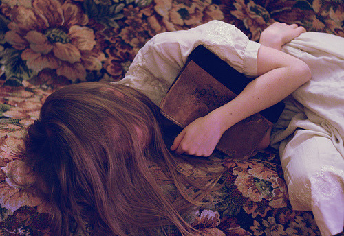 rosettes:  book lovers never go to bed alone (❀ *Nishe)
