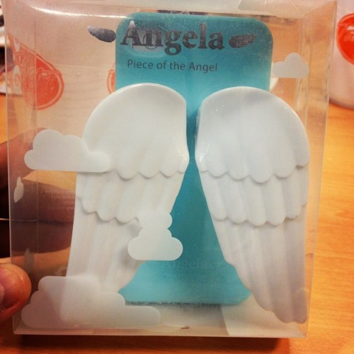 My new iPhone case!!! Ayee, angel's wing! Loooooove! ❤ (Taken with instagram)