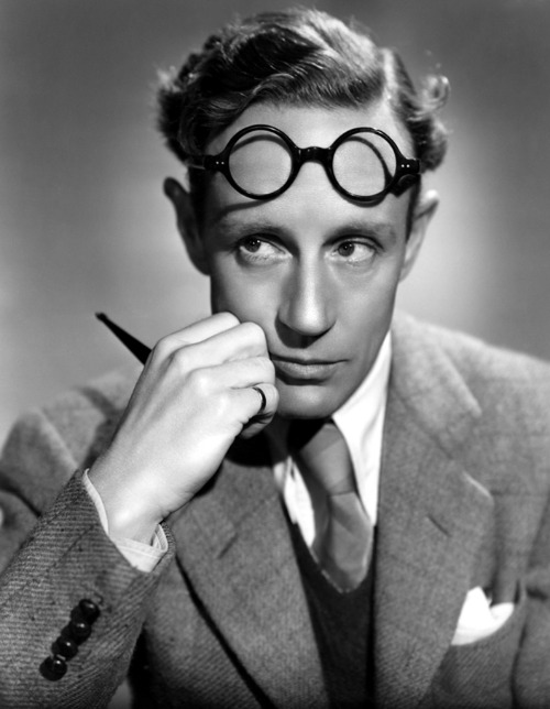 oldfilmsflicker:  Happy Birthday Leslie Howard (3 April 1893 – 1 June 1943)