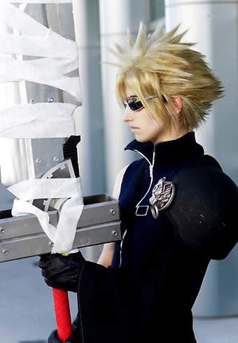 *Cloud Strife From: FINAL FANTASY VII