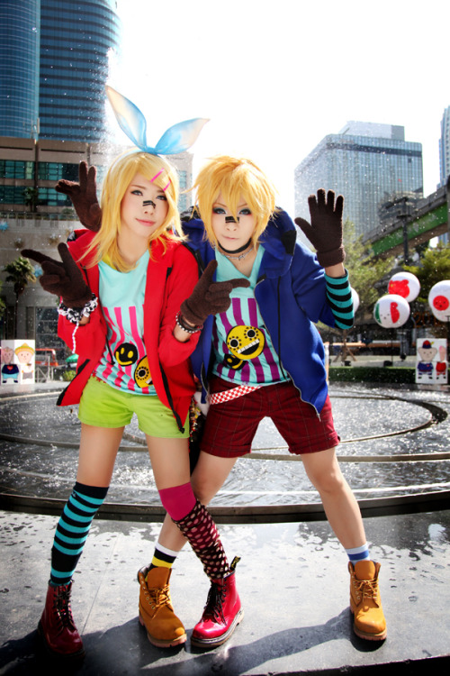 *Rin Kagamine (left) From: VOCALOID *Len Kagamine (right) From: VOCALOID