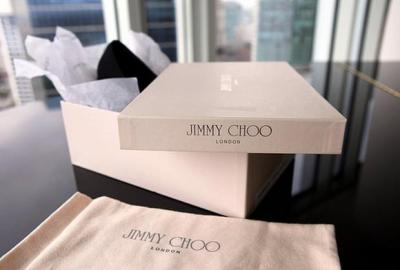 Jimmy Choo London. Adelto