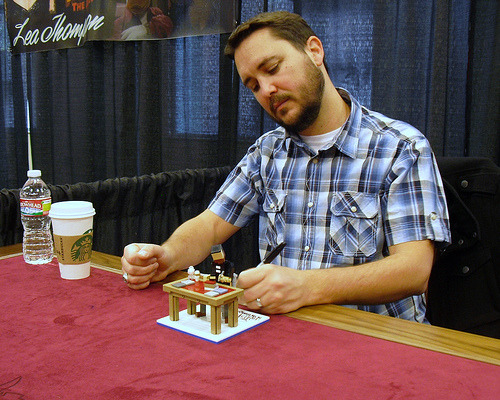 legozz:  Lego model of Wil Wheaton signing a Lego model of Wil Wheaton …actually being signed by Wil Wheaton! (by Ochre Jelly)