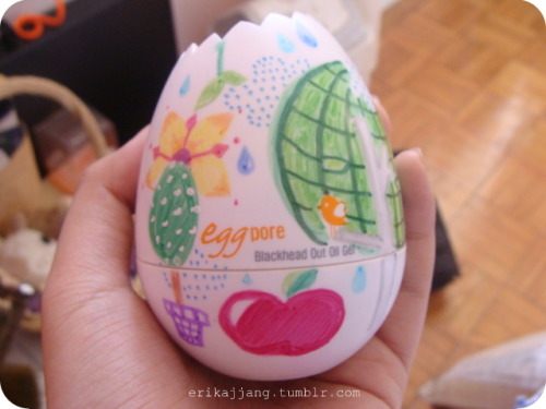 Happy Easter Egg Hunting everybody!!! <3 This is my decorated Egg Pore for Tony Moly~ kekeke I call this the 'Aegyo Egg' :>