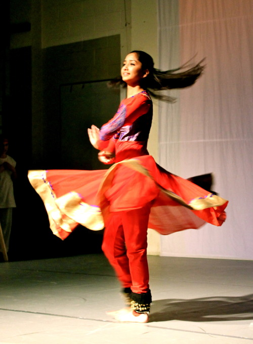 salonikipatra:  in reference to my previous post. this is me. kathak is such a great form of dance. :)