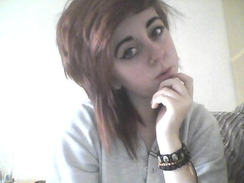 okay so my hairs a total different colour