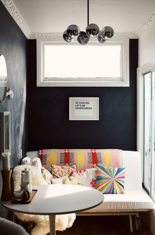 thedecorista:  cutest little nook ever!  theaestate:  VIA