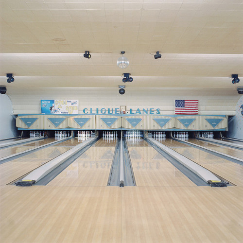 jandthew:  The Clique by joel schekman on Flickr.  Miss this place. Hard.