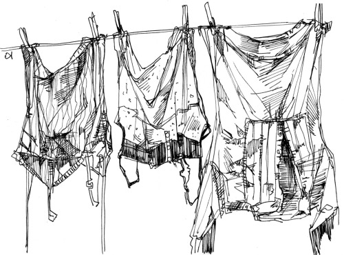 The smell of laundry dried in the sun makes me happy.