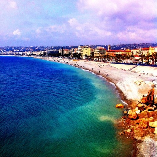 Nice main beach with free WiFi all the way 😊 #beach #nice #nizza #cotedazur #stonebeach #freewifi #france #sea #coastline #nofilter #iphone4 #iphoneonly  (Taken with Instagram at Panorama de La Baie Des Anges)