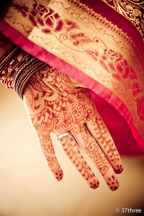 MY FAVOURITE MEHENDI IN THE WORLD!!! :)