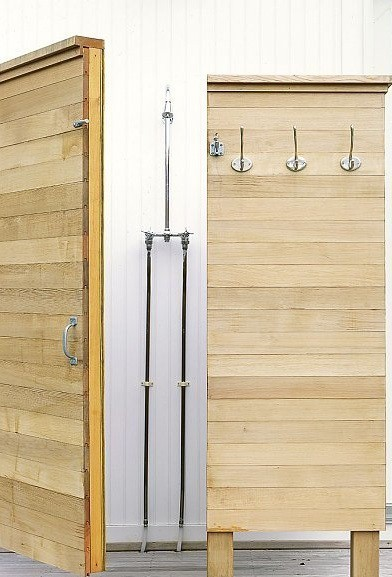Outdoor shower design by Murdock Young via Remodelista