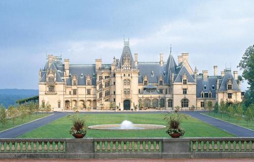 "The Biltmore Estate in Ashville, North Carolina, USA is the largest private ""home"" built in the United States with over 175,000 square feet!  It has 250 rooms, 4 acres of floor space and 65 fireplaces!"