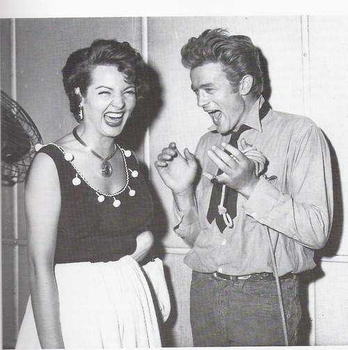 Sara Montiel and James Dean.