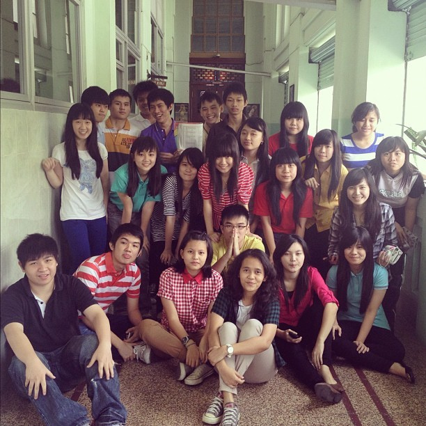 XII IPS 1 #classmate #bestfriends #highschool #foreveryoung #love #friendship (Taken with instagram)