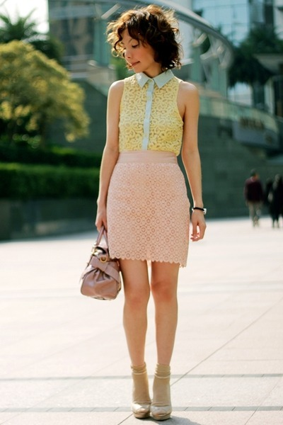 Street Chic_ MOCHACCINOLAND blogger in light yellow lace sleeveless shirt, light pink lace pencil midi-skirt (both from Forever 21), gold shimmer Primark socks, silver Bershka heels, and a light pink Miu Miu bag.  It's great to see so many trends pulled together so effortlessly.