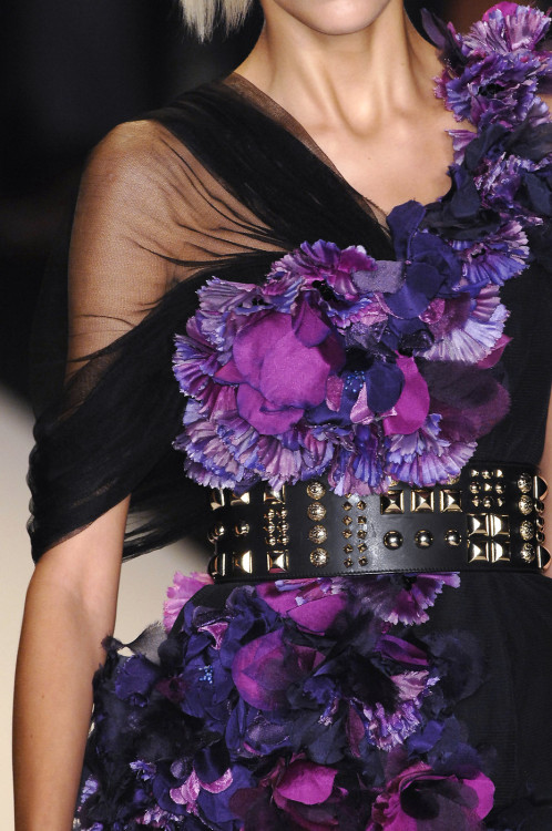 monsieur-j:  Matthew Williamson S/S 2009 Runway Details