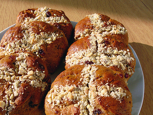 How do Spanish vegans celebrate Easter? With hot cross buns for semana santa, a.k.a. Holy Week! The crosses represent the crucifixion. Taste that delicious religious murder. [photo by juanelos via Flickr]