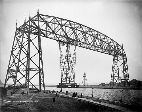 bartleby-company:  Aerial Bridge, Duluth, Minnesota, 1905 (by trialsanderrors)