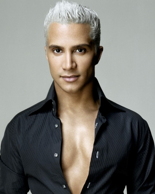 "The message is from Jay Manuel, who is in Toronto, Canada getting ready to present his second collection for something called Attitude Jay Manuel. And, ha! It's a collection for  Sears Canada! Jay Manuel is like the Kardashian sisters of the North!  - Potes, America's Next Top Model 18-5 ""Beverly Johnson"" Recap"