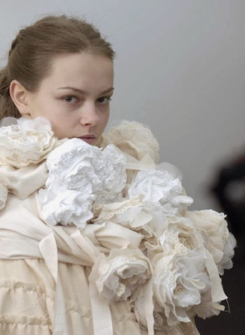 petrole:  mina cvetkovic at tao comme des garçons fall winter 2006/07