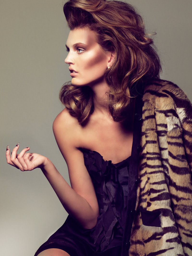 leahc:  Ali Stephens by Hunter & Gatti for Woman September 2010