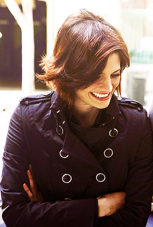Beckett's Season One hair is literally my favorite hair in the world.
