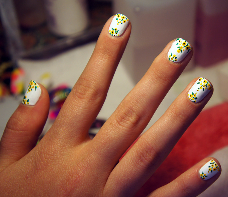 Nails inspired by the Oscar de la Renta Spring 2012 collection, designed by Fleury Rose! Read the full DIY tutorial here.