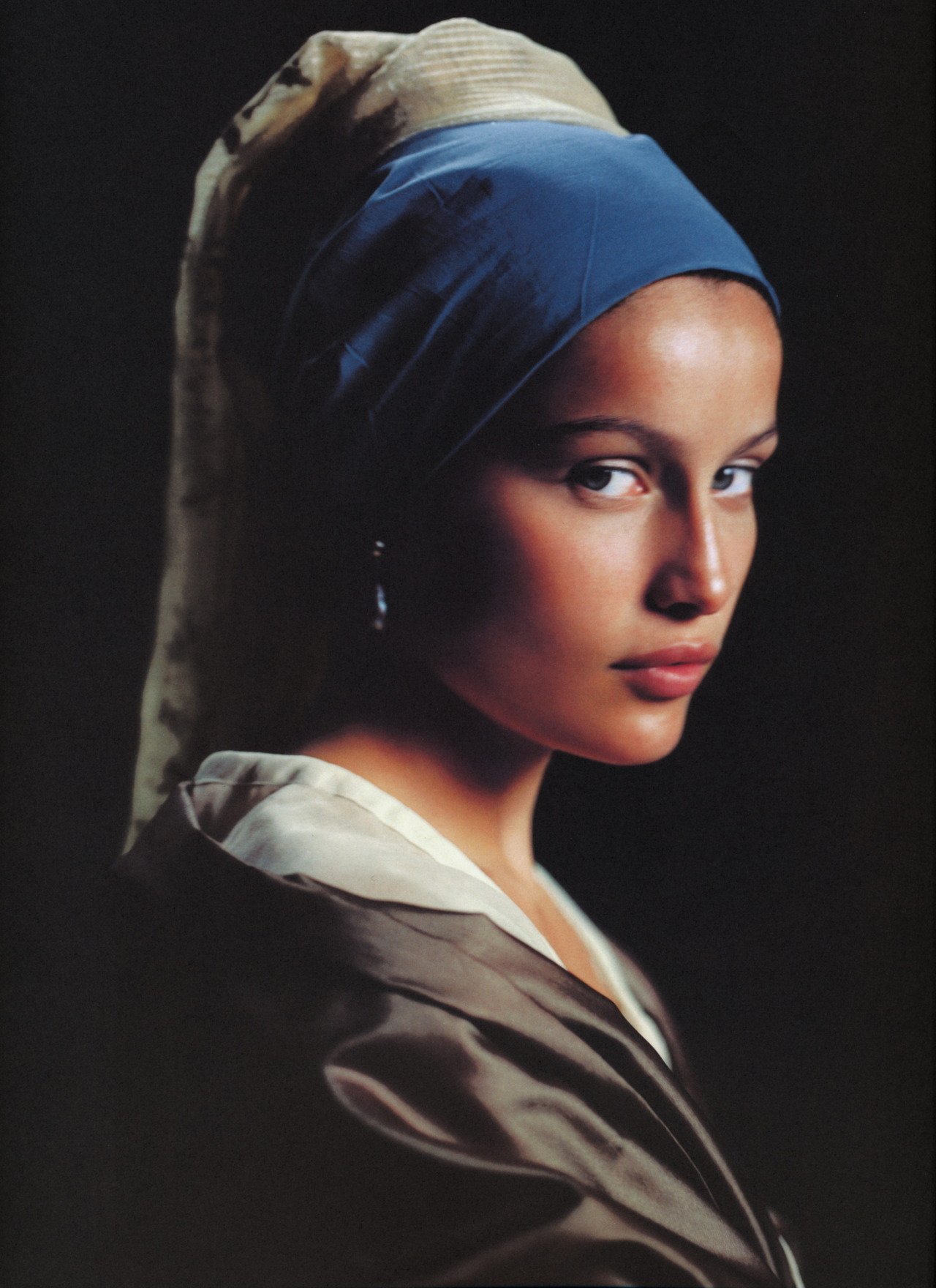 "lovelyritablog:  ""Les flamandes: à la maniére de Vermeer"" Magazine: Elle France, 1998 Photographer: Friedmann Hauss Model: Laetitia Casta"