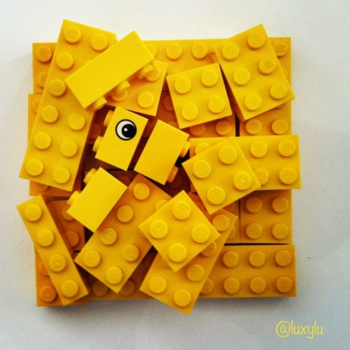 luxylu:  Yellow Legos for @joshjohnson 's #jj_forum_3010 #yellow #lego #iphoneonly #instamood #instagood (Taken with instagram)